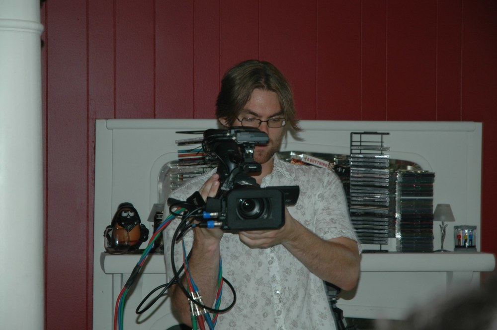 KEN_SIMPSON_CAMERA_OPERATING.jpeg