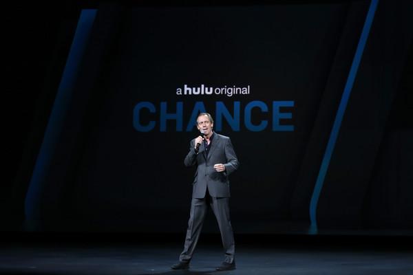 Hugh+Laurie+2016+Hulu+Upftont+Presentation+URnbksIgVVwl.jpg