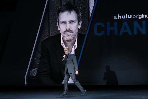 Hugh+Laurie+2016+Hulu+Upftont+Presentation+yXn3rg5qH6al.jpg