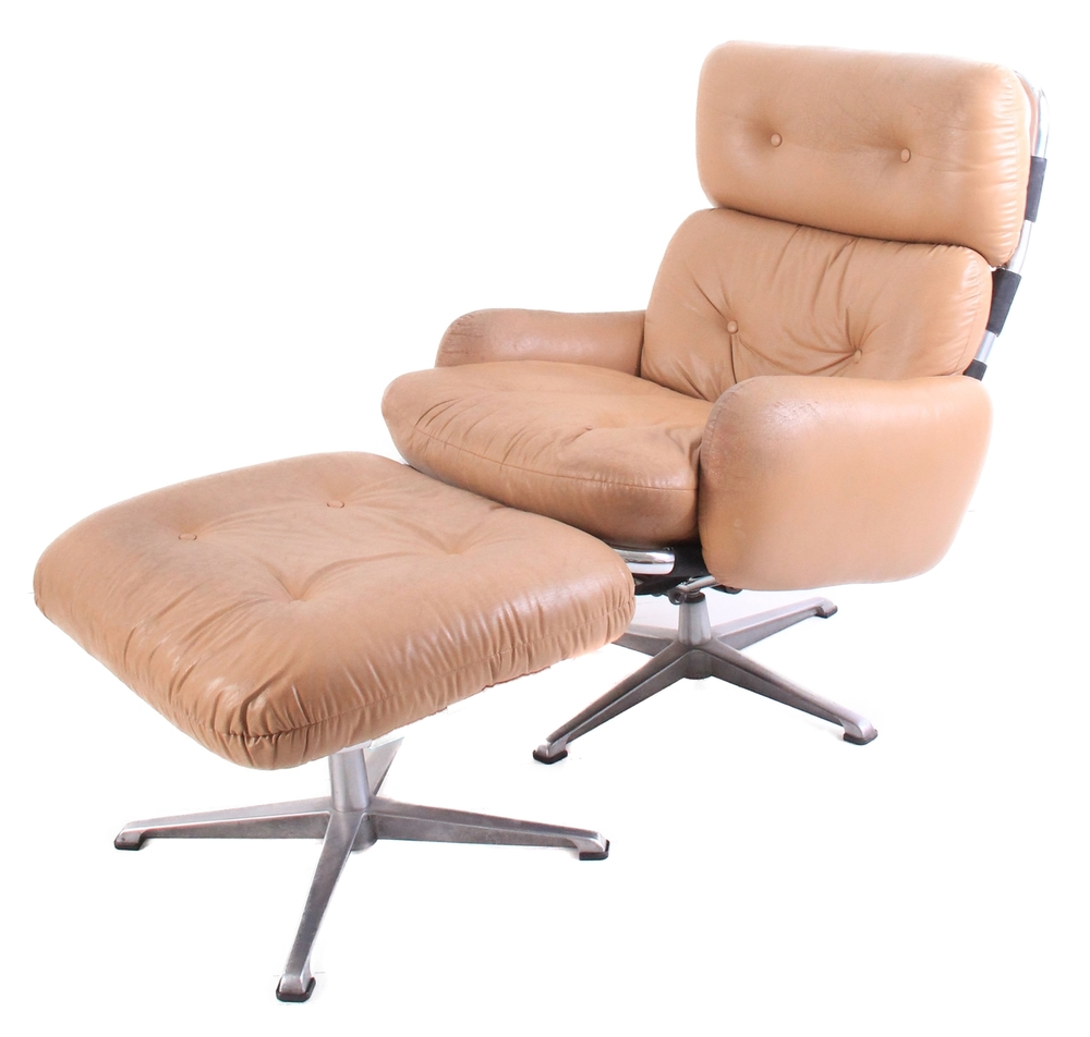 Vintage Mid Century Modern Leather Lounge Chair