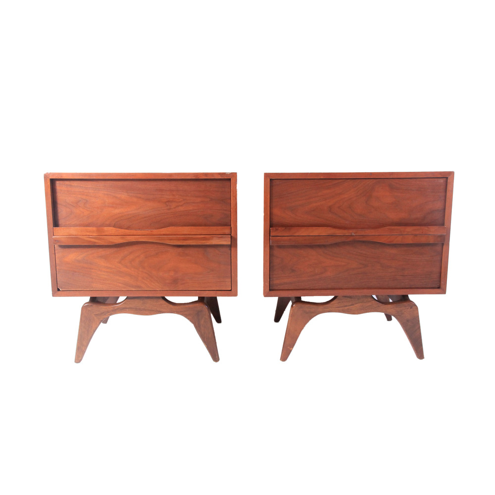Vintage Mid Century Modern Pair of Nightstands