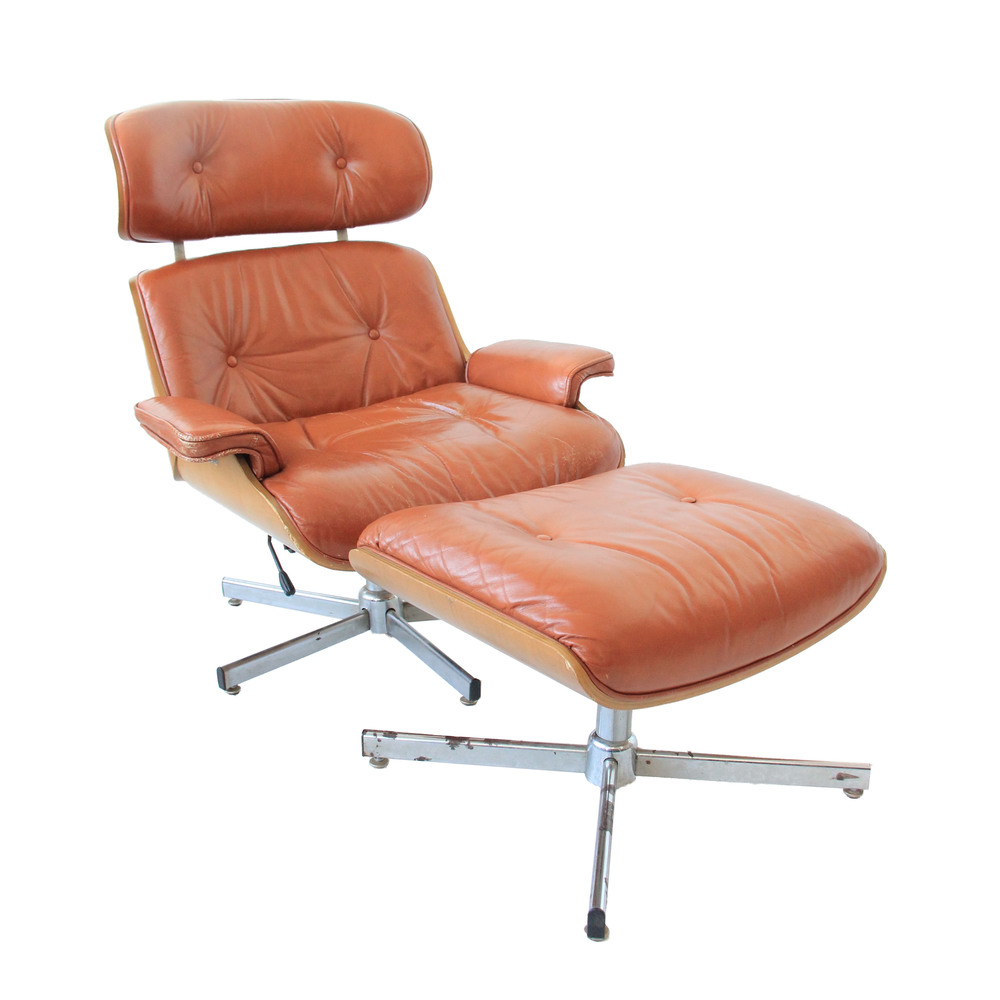 Vintage Mid Century Modern Eames Lounge Chair and Ottoman