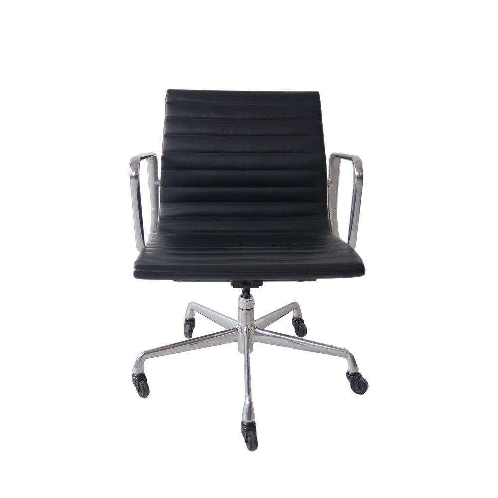 Eames Aluminum Group Management Chair. Mid Century Modern Knoll Executive  ...