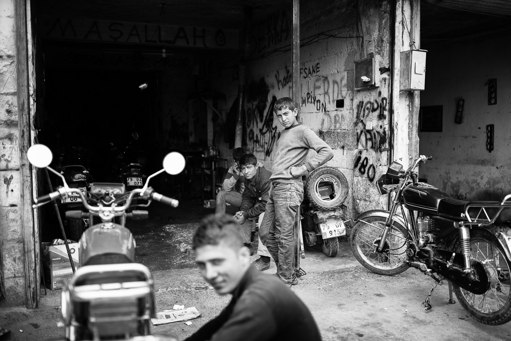 Kilis. Young boys at work
