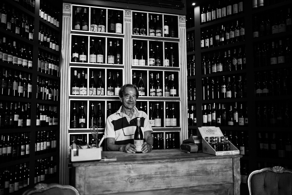 Wine and typical food shop in Catania