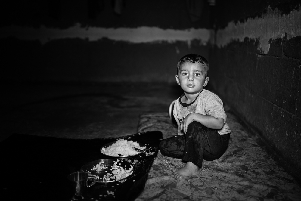 The launch of a refugee child in a building under construction, Zakho