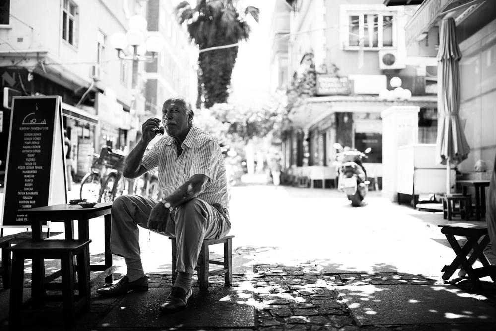 A chai drinker in Mersin