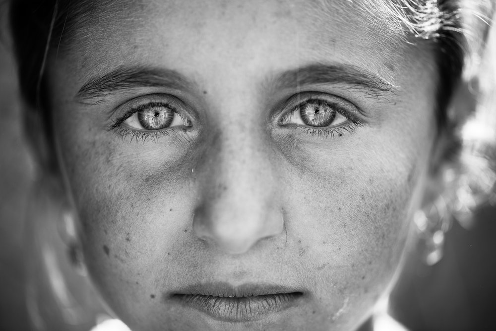 The gaze of a little girl in the Dahuk, Iraq.