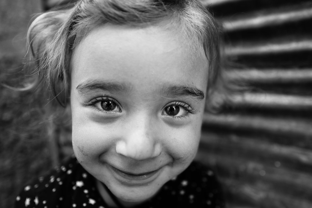 Little Kurdish girl in Diyarbakir (Turkey) old city.