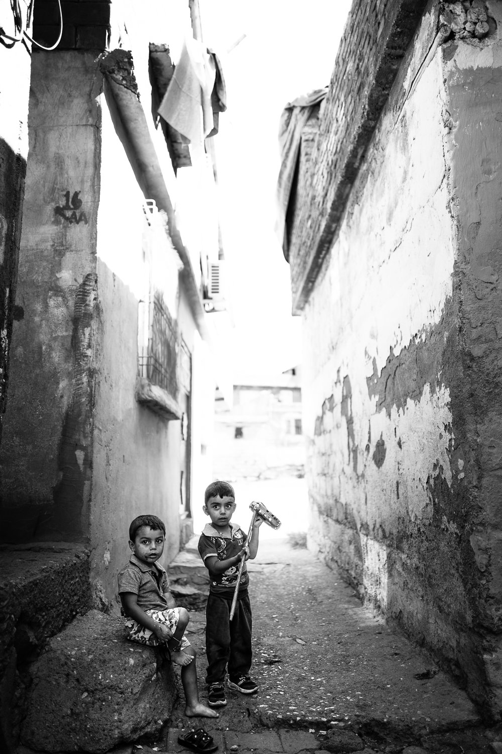 Children are playing in Diyarbakir's alleys,