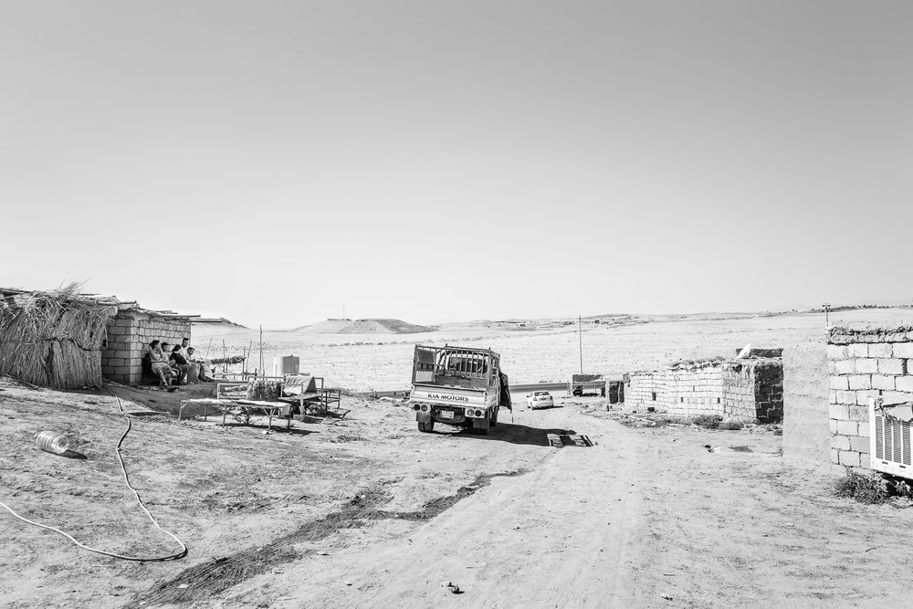A Yazidi temporary refugees camp in the desert, somewhere between Zakho and Sinjar. Iraq