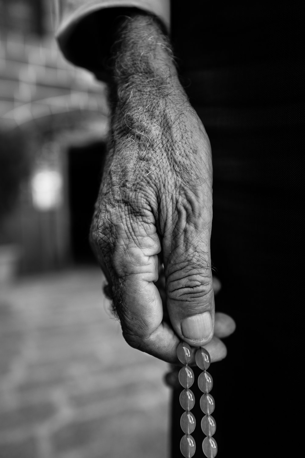 The hand of an elder with his rosary, Diyarbakir (Turkey)