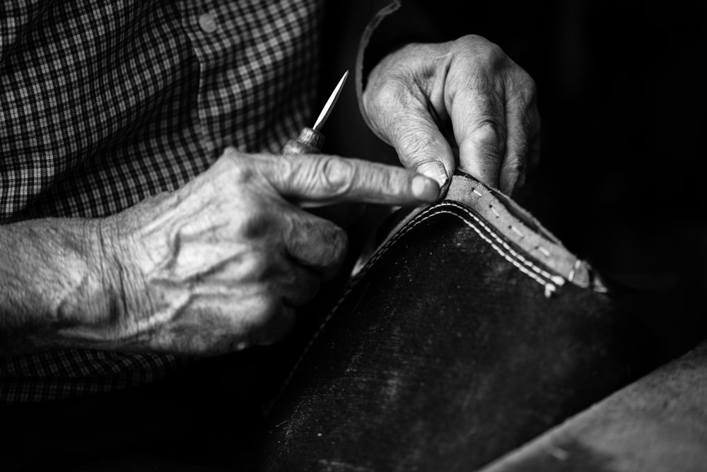 The hands of a shoemaker, Diyarbakir (Turkey)