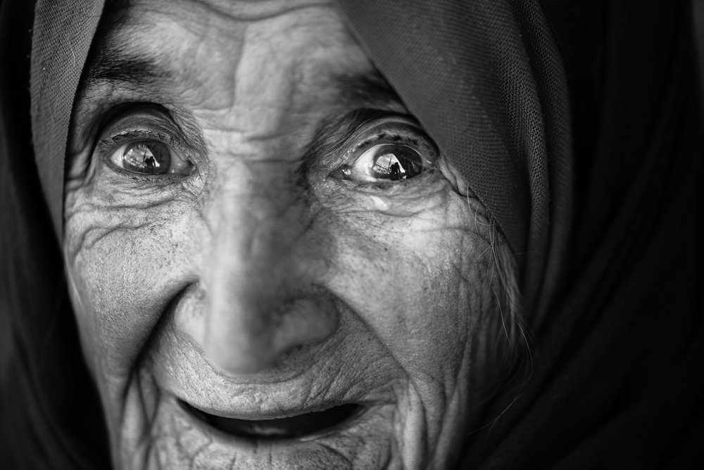 A surprised old womand in Erbil