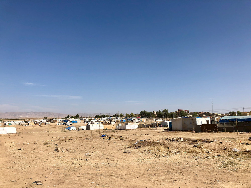 An unofficial camp of yazidi refugees near Dohuk