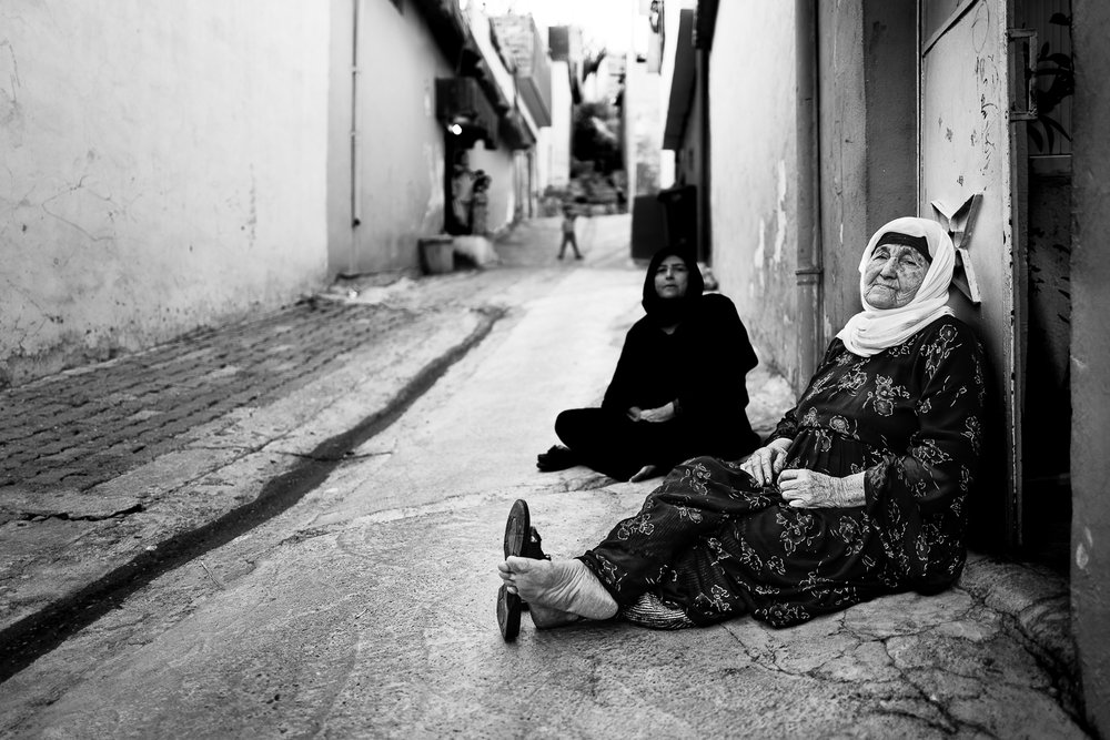 Two elder women in the old city of Dohuk