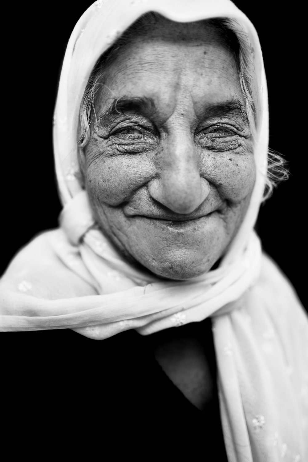 Old woman in Douhk