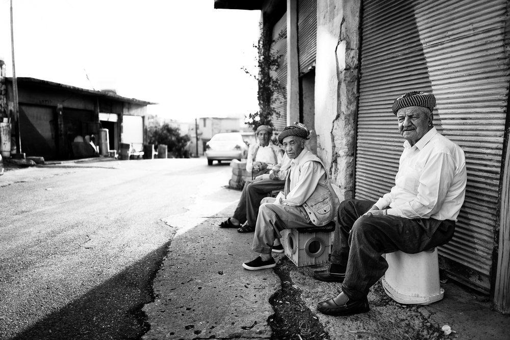 Some men are having a rest. Amediye