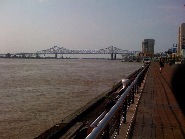 RUNNING VIEWS MISSISSIPPI RIVER BY MATT KOWALCZYK CREATIVE COMMONS FLICKR