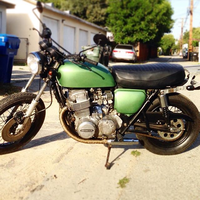 Anyone want a pretty sweet (non tiny) vintage CB750 in the LA area? This one is up for grabs (link in profile) gotta buy more tiny bikes so this guy's gotta go! #cb750 #cb750four #losangles #vintagebike #vintagemotorcycle #caferacer #hondacb750 #restoration #cb750k4 #sohc #green #distinguishedgentlemansride #babesrideout
