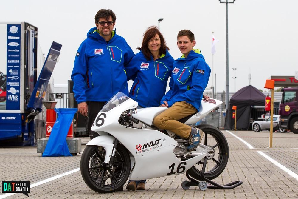 Namens het DAT Racing Team wil ik alle sponsoren en mensen die mij steunen en volgen bedanken!