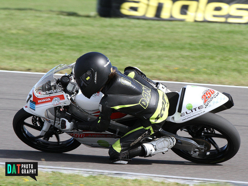 Dan Jones op de Ten Kate Moriwaki - tweemaal tweede in zijn GP125 klasse.