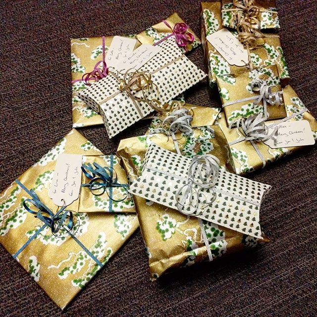 Mission Hotel-Gift-Wrapping a smashing success thanks to a pair of scissors we swiped from reception ✂️🎁🎄🎁 ✂️