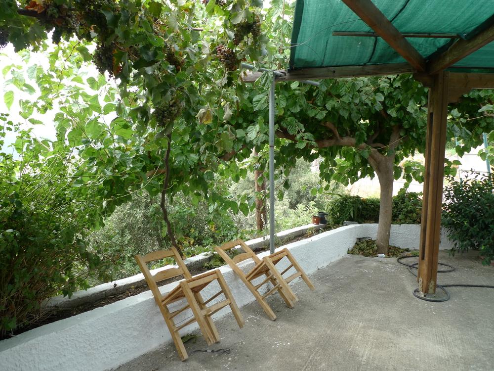 Lunch break, Crete