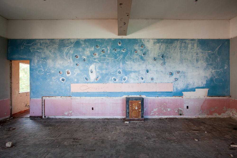 """21°37'06.4""""S 35°20'34.0""""E ,  04/02/2014, 1419 Bar mural, Hotel Santa Carolina, Ilha de Santa Carolina"""