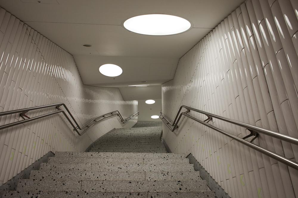 "50°06'38.8""N 8°41'03.4""E ,  16/12/2014, 0705 Exit, Dom-Romer U-Bahn station, Frankfurt, Germany"