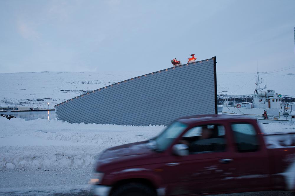 "65°40'55.6""N 18°05'14.4""W ,  18/12/2014, 1234 Santa and sleigh, Akureyri, Iceland"