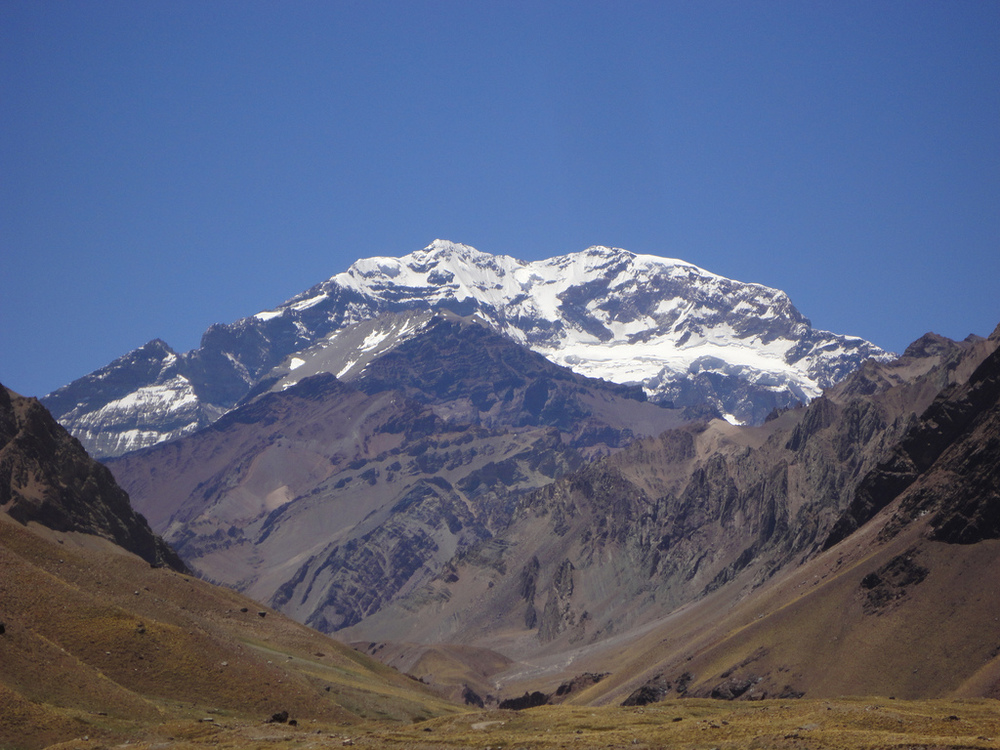 Photo by Daniel Peppes Gauer (Flickr: Aconcagua) [CC-BY-2.0 (http://creativecommons.org/licenses/by/2.0)], via Wikimedia Commons