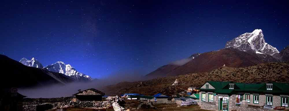 Dingboche Nepal at night; Kantega and Thamserku on the left, Cholatse on the right, by   Markrosenrosen