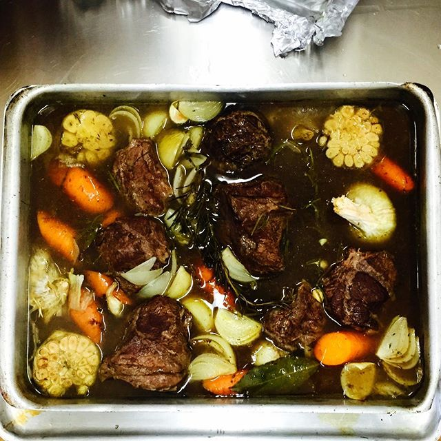Braising Beef Cheeks for our winter menu. We use SA approved, Grass fed Beef so your children have the best #fedbyned #organic #seasonal #childrensfood #delivery #london
