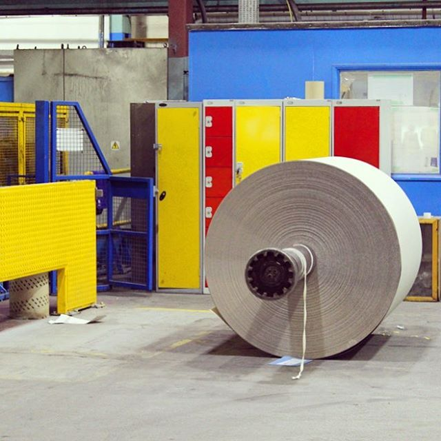 Loved this corner of the James Cropper paper mill with red, yellow and blue! ❤️💛💙 - - - #papermill #factoryvisit #paper #mill #lakedistrict #manufacturing #madeintheuk #jamescropper #primarycolours #redyellowblue #paperreel