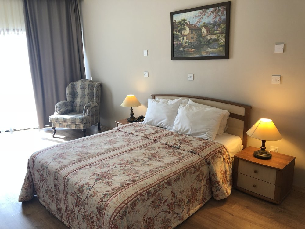 11 - Room 2.jpg