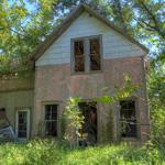 [.pink.farm.house.]