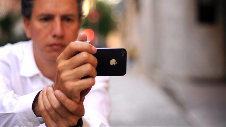 iPhone 4S grip handle Shoulderpod S1