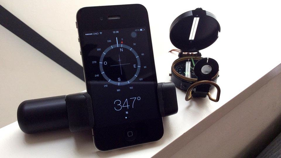 iPhone 5S traveler stand - Shoulderpod S1 adjustable smartphone rig