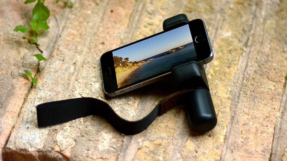 iPhone 5S grip handle with wrist strap - Shoulderpod adjustable smartphone rig