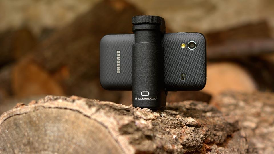 Samsung Galaxy tripod mount holder - Shoulderpod S1 smartphone rig
