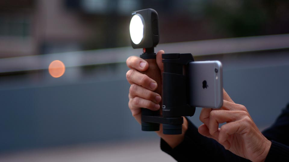 Shoulderpod R1 Go iPhone Rig torch