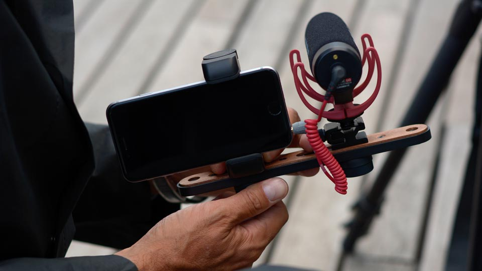 Shoulderpod X1 - professional rig for iPhone