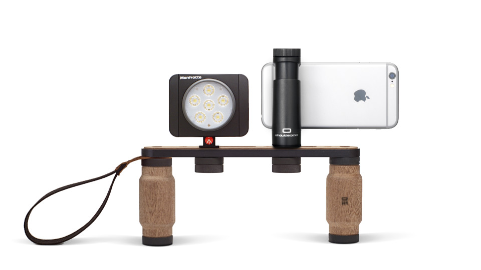 Shoulderpod X1 rig for iPhone external light