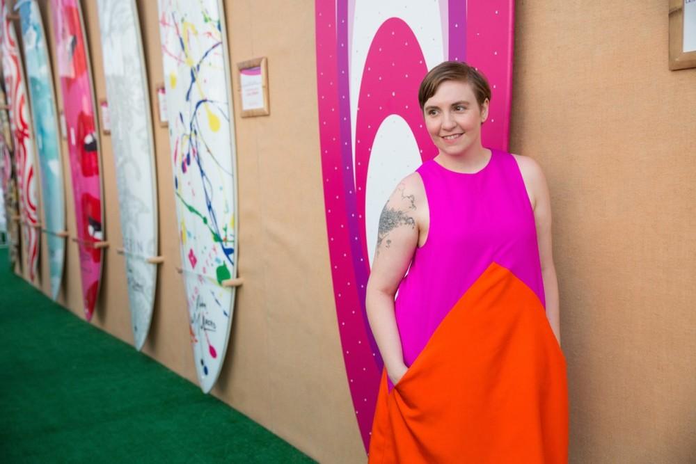 Lena-Dunham-wearing-Lisa-Perry_-Credit-Michael-Blanchard-1024x683.jpg