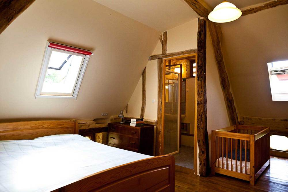 Slaapkamer 1 met douche en wc