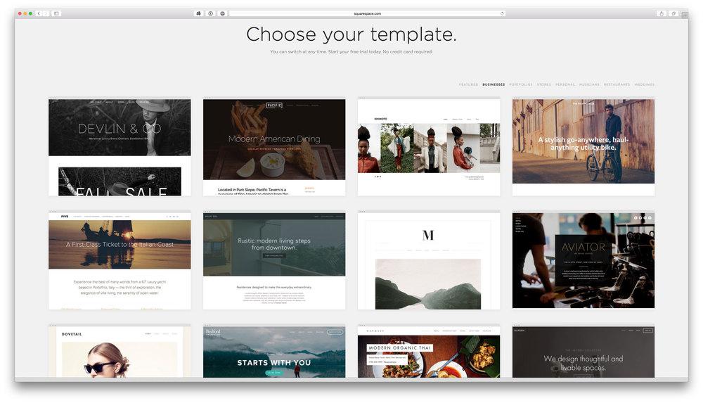 Er zijn ontzettend veel templates beschikbaar voor SquareSpace. In elk template zie je een aantal voorbeelden van anderen die hun website ermee gebouwd hebben en hoe ze de template gebruikt hebben.