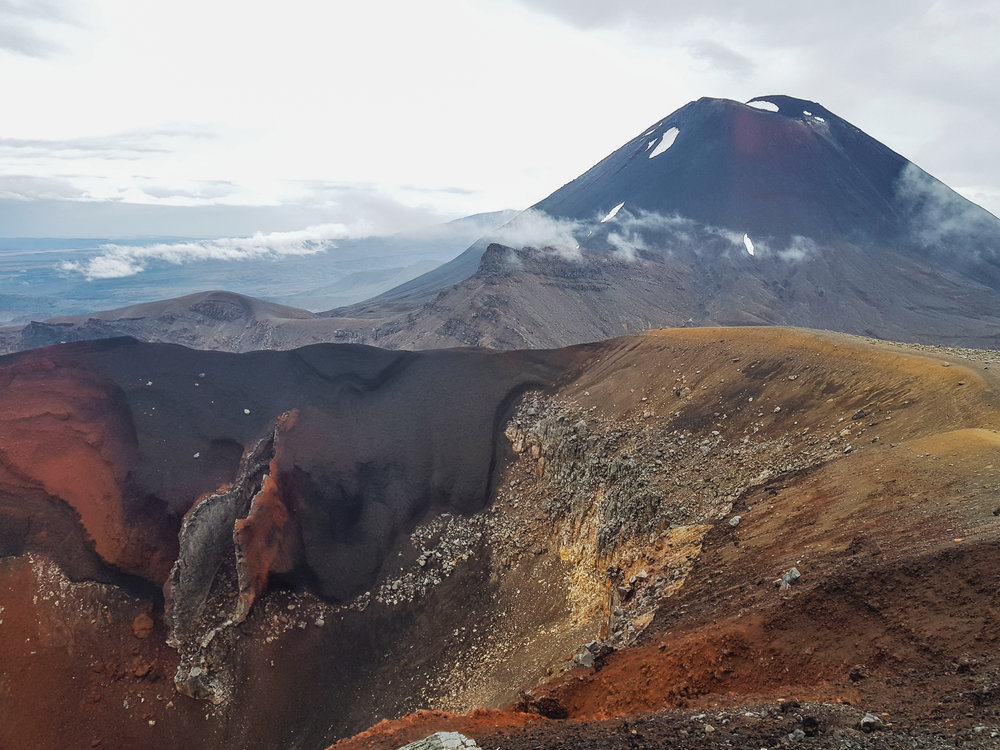 At last, we reach our goal. The epic views of Red Crater and Ngauruhoe.  photo/ Jonathan