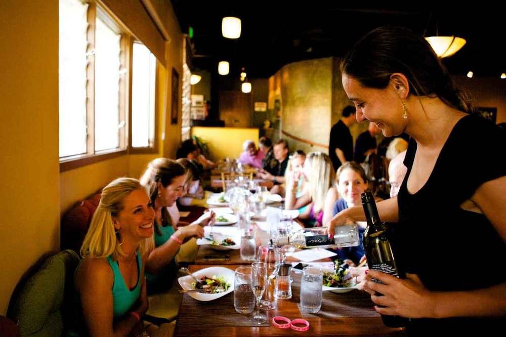 pueos-osteria-waikoloa-dining-room.jpg