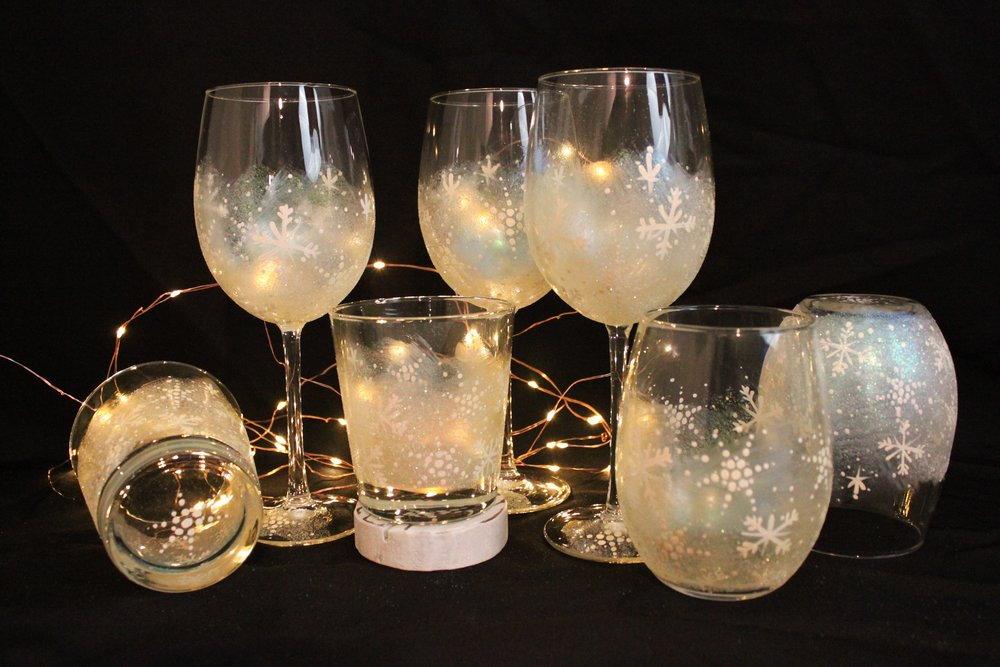 Frosty Iridescent Snowflakes - These look stunning with wine or bourbon in them!